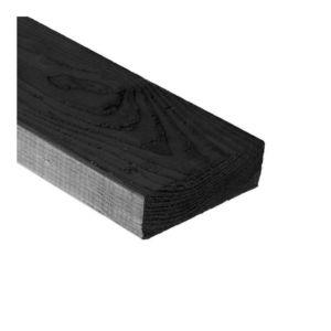 Vuren bouwhout bezaagd en gewolmaniseerd rondom zwart (dampopen verfsysteem) ca. 32x75x3900mm